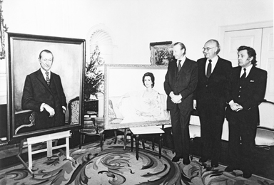 Ambassador of the USSR to the USA A. Dobrynin and I. Glazunov after finishing work on the portraits of the UN Secretary-General Kurt Waldheim and his wife. New York. USA