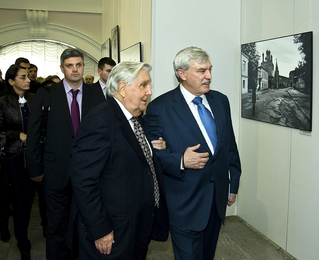 "I.S. Glazunov and G.S. Poltavchenko on the Opening of the Exhibition in the Central Exhibition Hall ""Manezh "". St. Petersburg"
