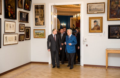 V.V. Putin and I.S. Glazunov in the Gallery of the Artist