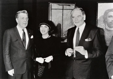Ilya Glazunov with Mireille Mathieu and Pierre Cardin at the Exhibition in Paris