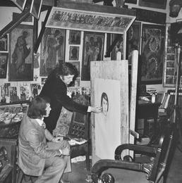 Илья Глазунов пишет портрет итальянского певца Сальваторе Адамо. Москва